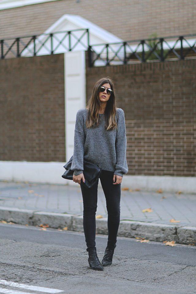 Свитер-оверсайз и джинсы