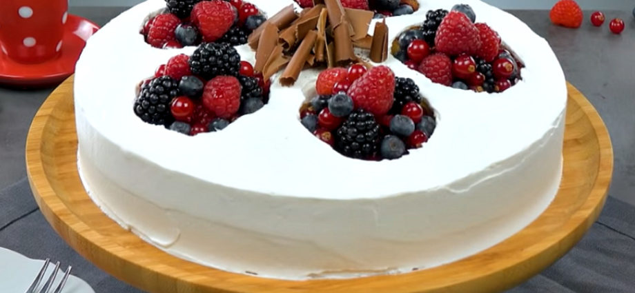 Ягодный торт