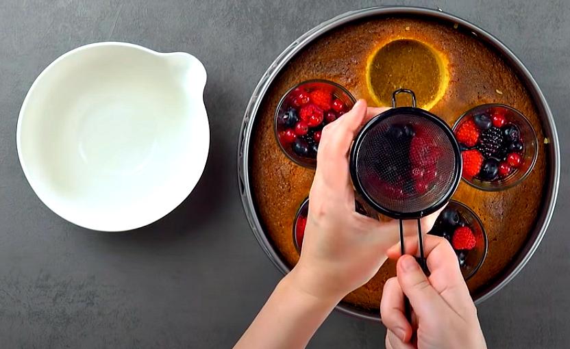"""Торт """"5 стаканов"""" с ягодами"""